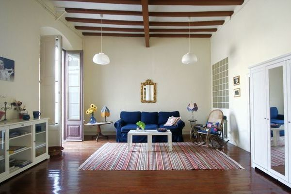 piso-salon_1-raval-barcelona